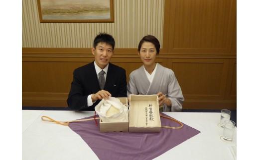 生産者の菅沼ご夫妻。平成29年10月の新嘗祭へ献穀されました。