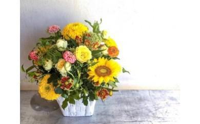 八女のお花を使ったデザイナーオリジナルデザインのラウンドアレンジメント