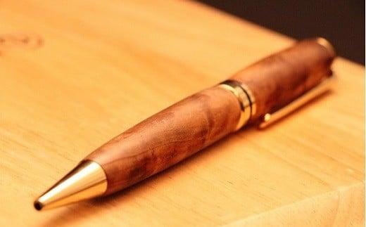 AB-52.【使い込むほどに変わる】木製ボールペン 吉野杉オパール