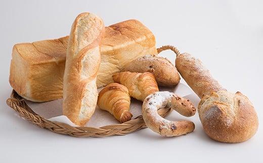食パン、カンパーニュ、クロワッサンなど、色々なパンでお届け。