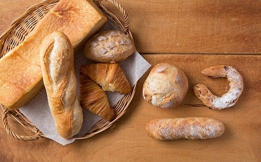冷凍でお届けしますので、冷凍のままで1カ月保存が可能です。酵母パンならではのモチモチとした食感をお楽しみください。