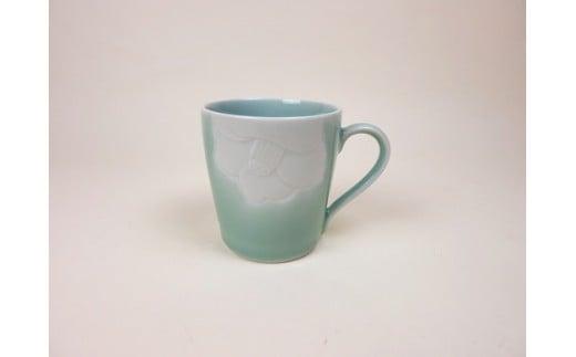 青磁椿彫マグカップ H358