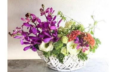 【お花の定期便】八女のお花を使ったおしゃれアレンジメント(季節ごとに年四回のお届け)