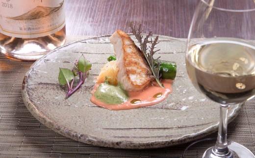 魚料理の一例(チョウザメのムニエル)
