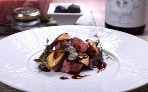 肉料理の一例(黒毛和牛ローストビーフ)
