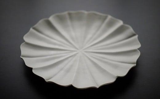 〔臼杵焼〕稜花蓮弁皿(白)1枚