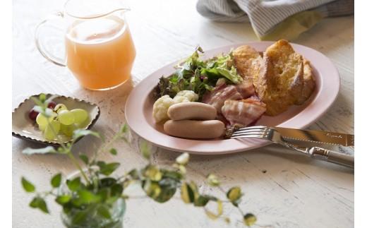 ノンスモークウインナー調理例 クセがなく軽やかな食感と味わいは、毎日の朝食にもぴったり