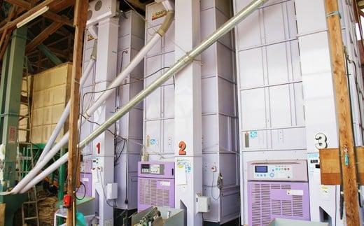 ファーム菅久の乾燥機。