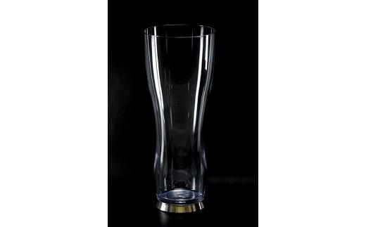 『極薄』『割れない』『グラマラス』。ガラス超えに挑んだ樹脂製ビアグラスをご自宅でもアウトドアでも。