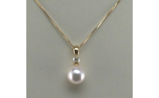 トップ部分に一粒のダイヤモンドがスイングするタイプ 一粒のダイヤモンドがきらきらと揺らめきます