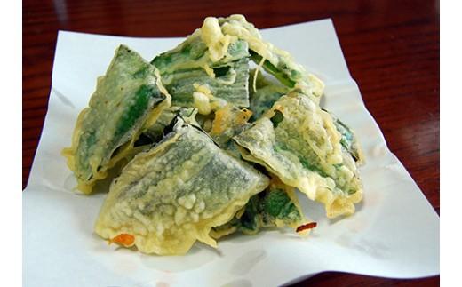 サクッと揚げた天ぷらも美味です。