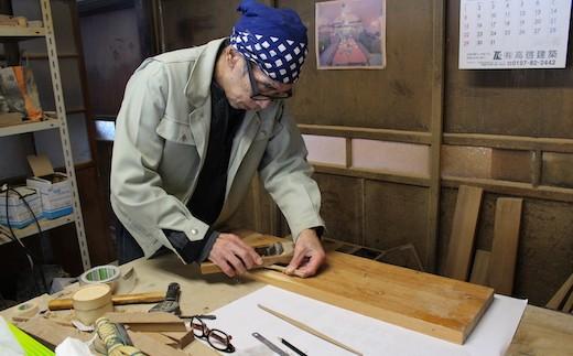 Wood工房ブナの森の竹澤さん。以前ご自身も猫を飼われていたそうです。