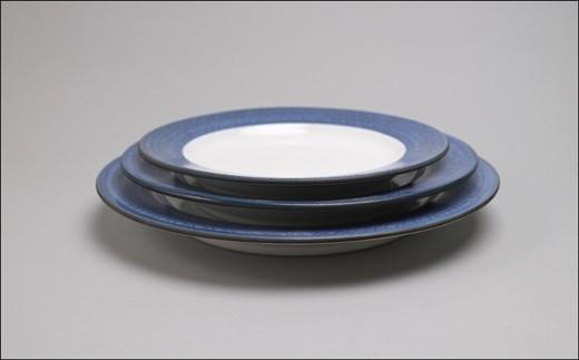 サイズは18cm、21cm、24cmの全3種類。このお礼の品は18cmのお皿1枚です。