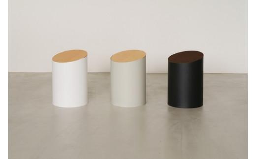 【参考】左から 白、グレー、黒(蓋の色はウォルナット)となります。