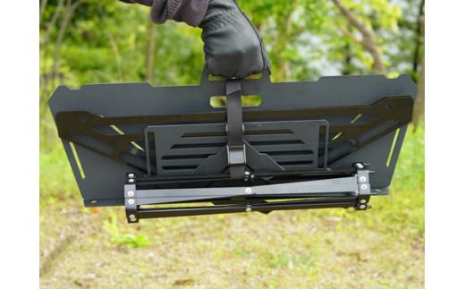 収納は専用ベルトで固定して、コンパクトに持ち運べます。