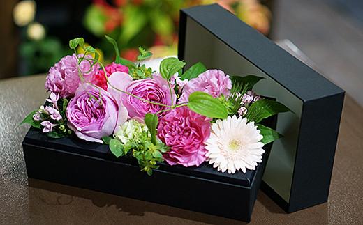 D-102.季節の生花のフラワーボックス