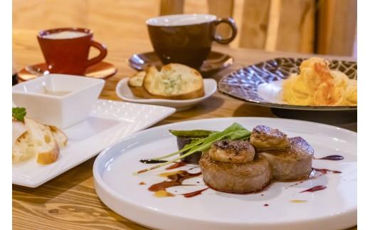 西脇市の特産品「黒田庄和牛フィレステーキ(フォアグラ乗せ)」など贅沢尽くしのコースをオシャレな空間でお愉しみください・・・。