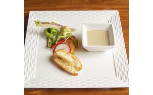 サラダ:地元野菜のバーニャカウダ