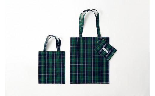 オリジナル生地(播州織)である「PAGOTタータン」を使用したエコバッグ。※写真右側が本返礼品です。
