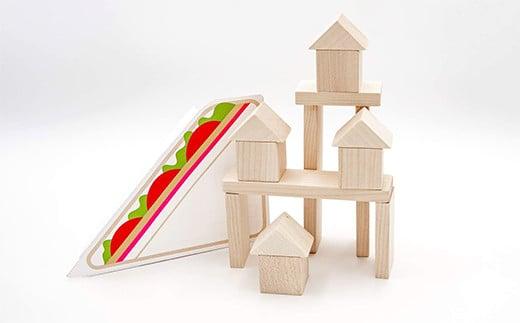 積み木としていろんなものを作って遊べます。