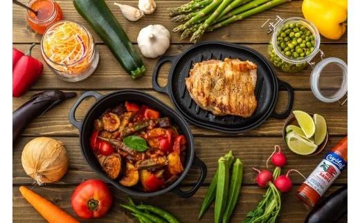蓋を使った料理も可能なダッチオーブン。食卓にそのままサーブできます