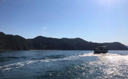 漁に向かう漁船