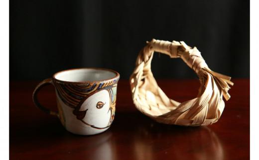 【伝統工芸】焼物工房 おなが家 太マグカップ(雲の上のお魚)
