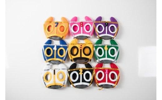 競馬の騎手の帽子にちなんだ9色のマスクが特徴です!