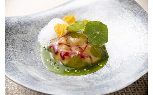 常呂産帆立貝とキュウリの冷製スープ