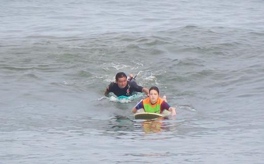波に乗る楽しさを感じることができるサーフィンスクールです。