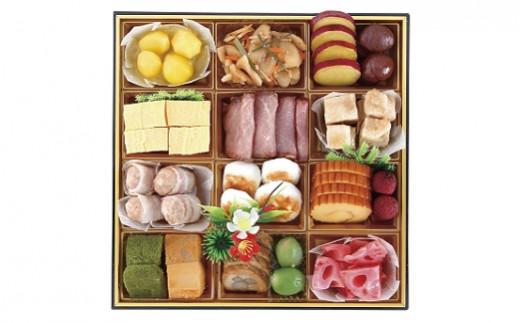 【3段目】きんとん、出し巻玉子、チーズ入り練り肉のベーコン巻、伊達巻など