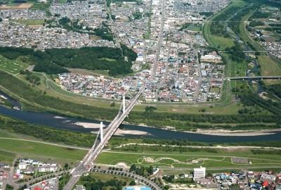 木野市街地と十勝大橋