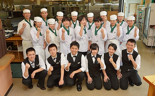 三重県多気町 高校生レストランの高校生