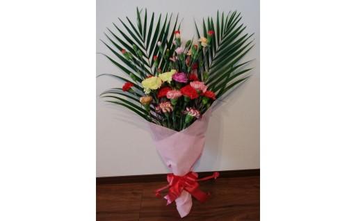 母の日の贈り物にカーネーションの花束はいかがでしょうか