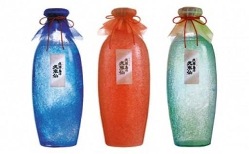沖縄を代表する「泡盛」と「琉球ガラス」で贈るプレミアムな1本