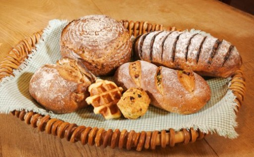 食べログ《熊本県 パン屋》ランキング1位の人気店「めるころ」