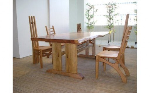 天然無垢の木を使用した手造りフルオーダーテーブルセット