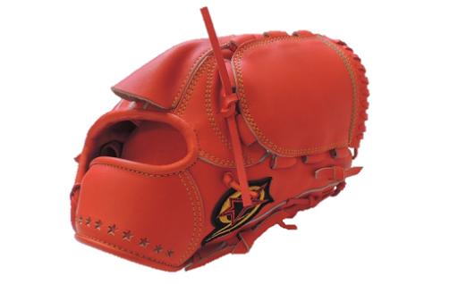 【新入学特集】野球部選手へ硬式グローブをプレゼント。