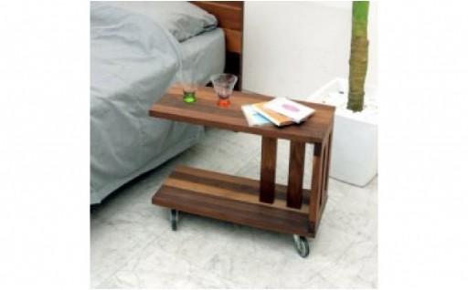 移動できる便利なサイドテーブル