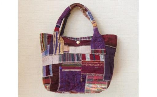 裂き織りのバッグ