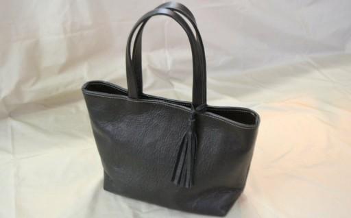 レザークラフト職人が作るオール本革のハンドメイドトートバッグ