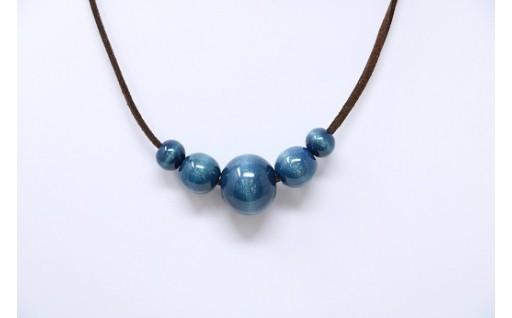 ★藍玉ネックレス(天然木)5個玉合皮★