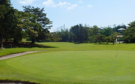 東北最古のゴルフ倶楽部でプレー!