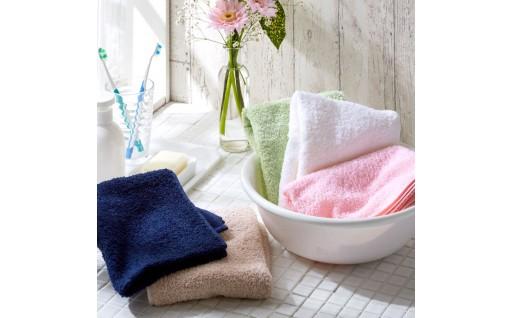 泉州タオルは肌触りの良さと高い吸水性が特徴です。