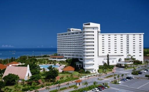 ロイヤルホテル 沖縄 一泊朝食付ペア宿泊券(ハイフロア禁煙)