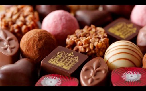 上質な素材と手作りの工程にこだわった高級チョコレートをお届け