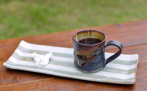 薩摩焼の窯元が、伝統の技と心を込めた名品。『黒薩摩』