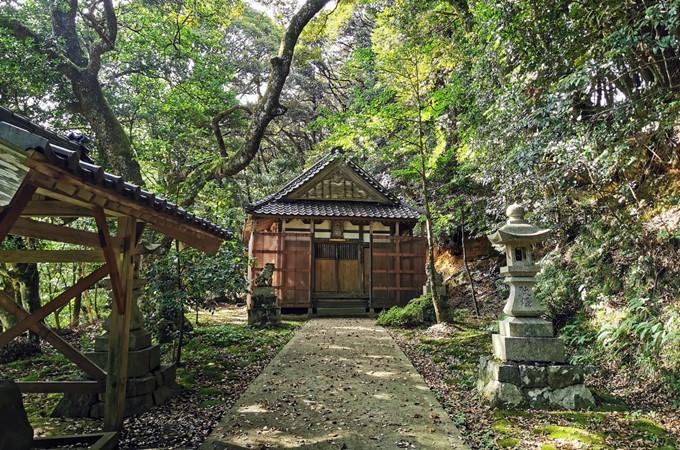 ②滝谷八幡神社