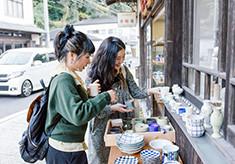 伝統的建造物が立ち並ぶ有田焼の伝統ある街並みを元気にするために、新しい仕組みをつくりたい!