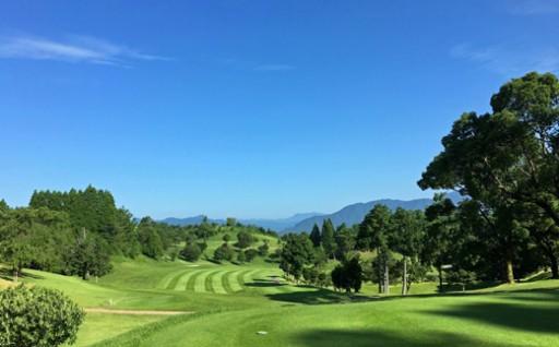 自然を楽しむゴルフ場 「錦山カントリークラブ」